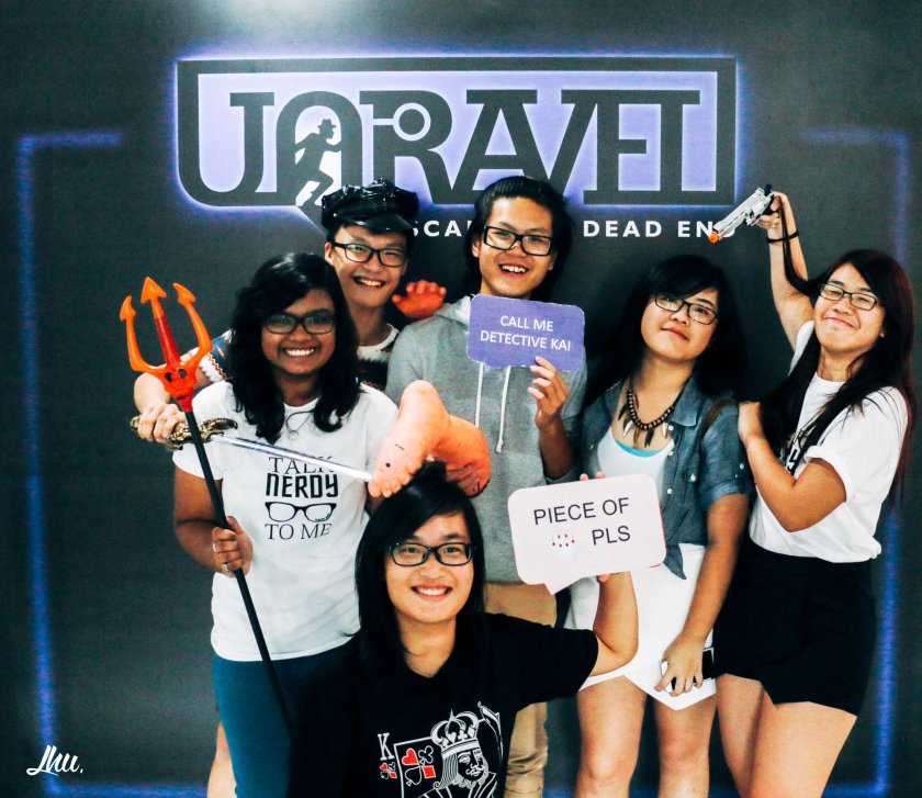 Unravel Singapore Escape Room Photo Taking